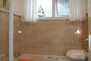 bathroom in penmerric cottage