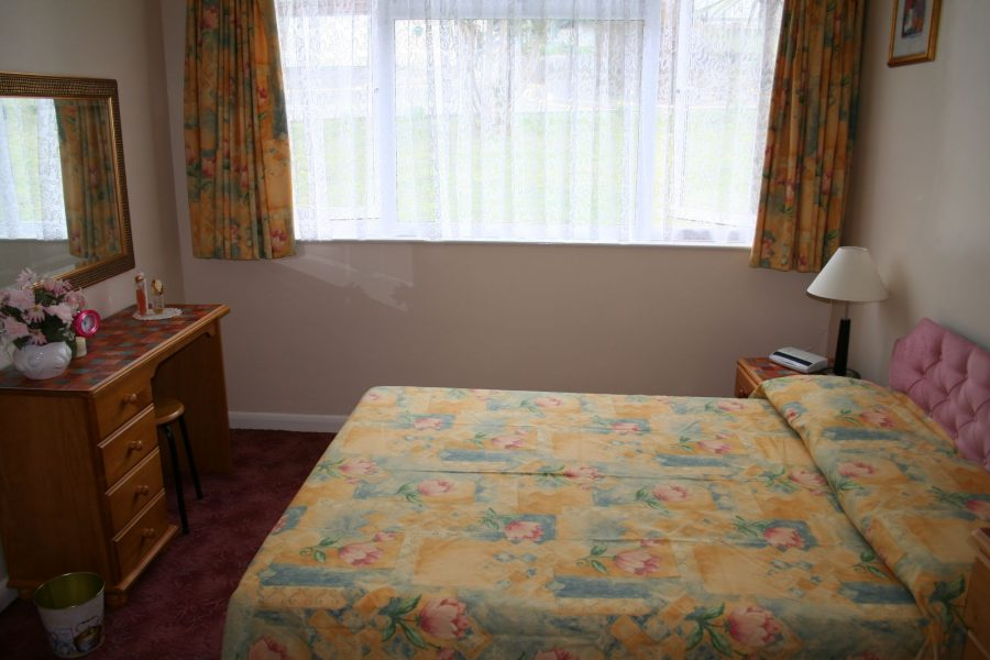 penmerric holiday cottage double bedroom in holywell bay, newquay
