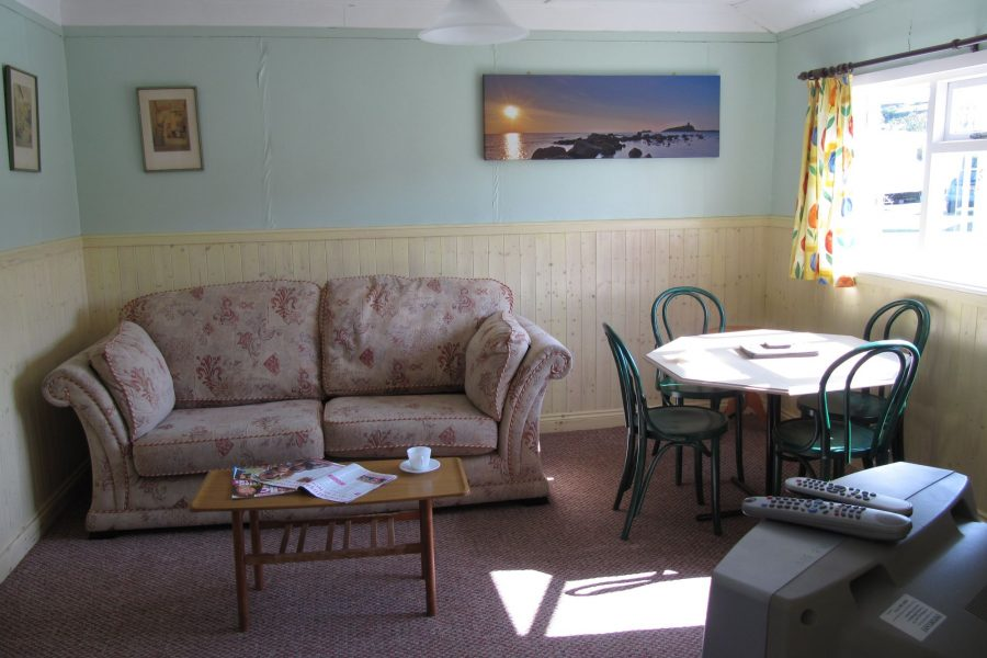 The-Lounge-The-Meadow-Holywell-Bay