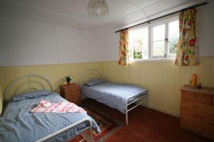 seascape-twin-bedroom-holywell-bay