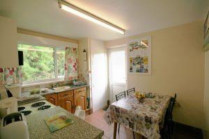 holywell bay cottage kitchen