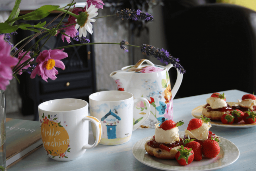 cream teas langarrow