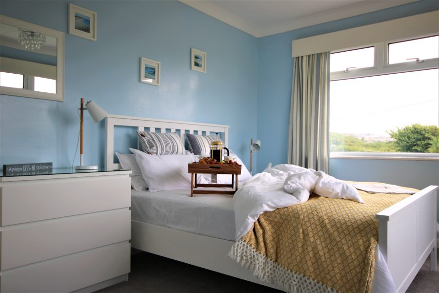 Kingsize bed Langarrow. Holywell Bay.